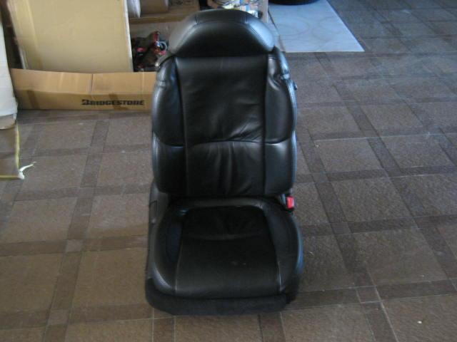 純正内装パーツ・用品 UZZ40運転席シート黒