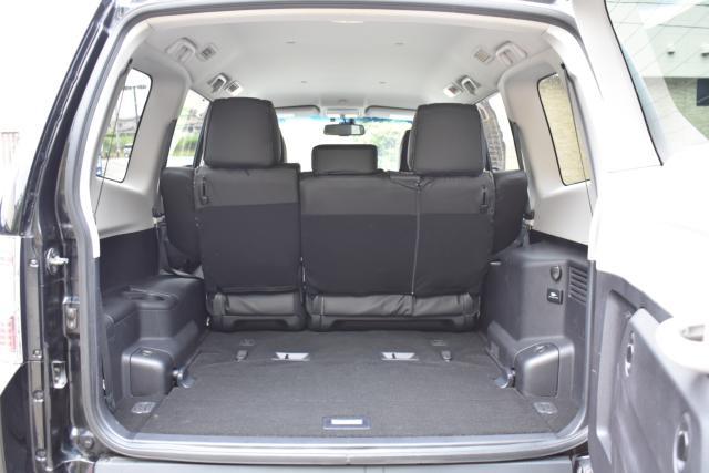 3列目シートは床下に収納可能ですので、大きなお荷物も楽々積載可能です!