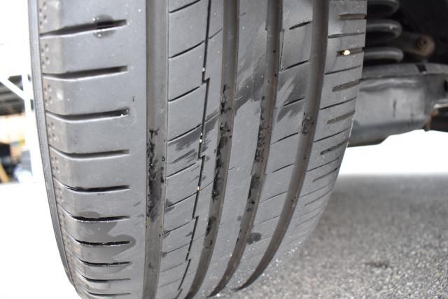 タイヤの残り溝も十分ございます!