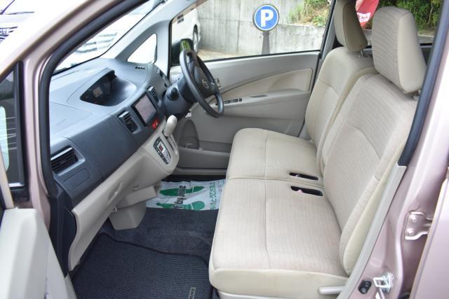 運転席、助手席、各シートの状態も良好な一台です!