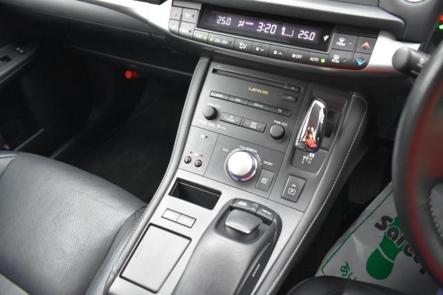 シートヒーターで寒い時期のドライブも快適です!