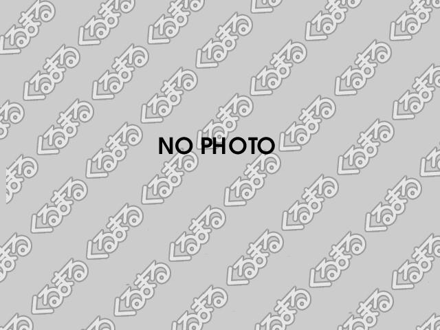 トヨタ純正ホイールキャップが付いています。車体の雰囲気と合うのは純正ならではですね。