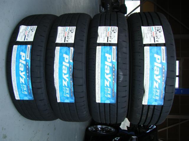 タイヤ BS プレイズPX-RVII 215/65R16