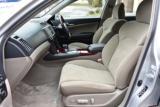 運転席、助手席は電動でシート位置を調整可能なパワーシートです!