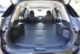 後部座席を倒せば大きなお荷物も楽々積載可能です!ラゲッジルームも勿論防水仕様です!