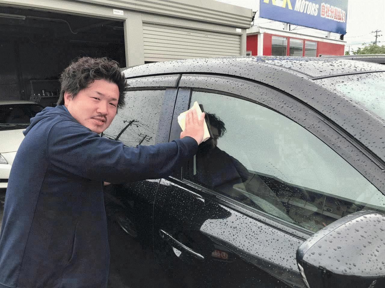 当店の展示車はご来店されるお客様が気持ちよくお車を選んでいただけるよう、いつも綺麗でピカピカに仕上げております。 他店と比べてみてください。きっとご満足いただける一台が見つかると思います。ご来店お待ちしております。