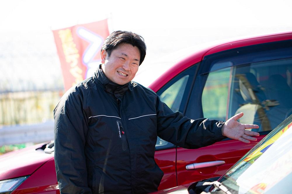 整備工場と展示場は車で5分程離れた所にございます。<br /> 展示場ではわたくし佐藤がお待ちしております!!<br /> どうぞお気を付けてお越し下さい♪