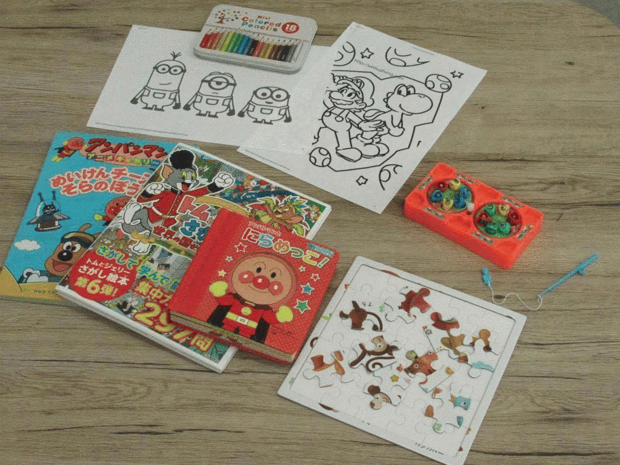 小さいお子様も絵本やおもちゃなどご用意しておりますのでご家族でのご来店も大歓迎です!